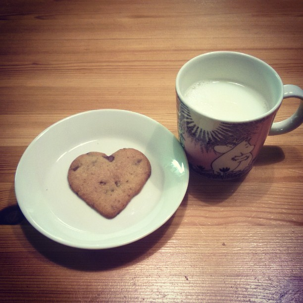 Getting ready for Valentine's day  #cookies #milk #cookiesandmilk #moomins